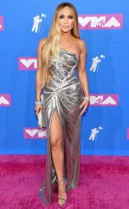 Jennifer Lopez en mode ''silver Goddess'' au VMA's