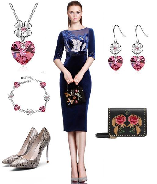 accessoirse pour une robe mariage invité bleu fourreau avec manche en velour