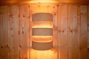 Éclairage déco design, pourquoi opter pour une applique murale en bois ?
