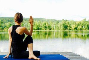 Déconnectez-vous du monde, rejoignez l'univers Yoga