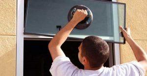 Un cambriolage chez vous? Comment une entreprise de réparation de vitres peut vous aider