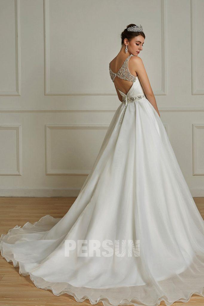 robe de mariée sexy dos nu ceinture et bretelle ornée de bijoux délicats