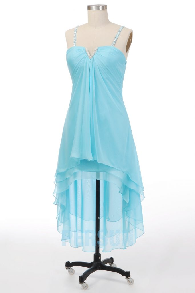 robe de cocktail courte devant longue derrière turquoise bustier Col djellaba avec bretelles ornée de strass