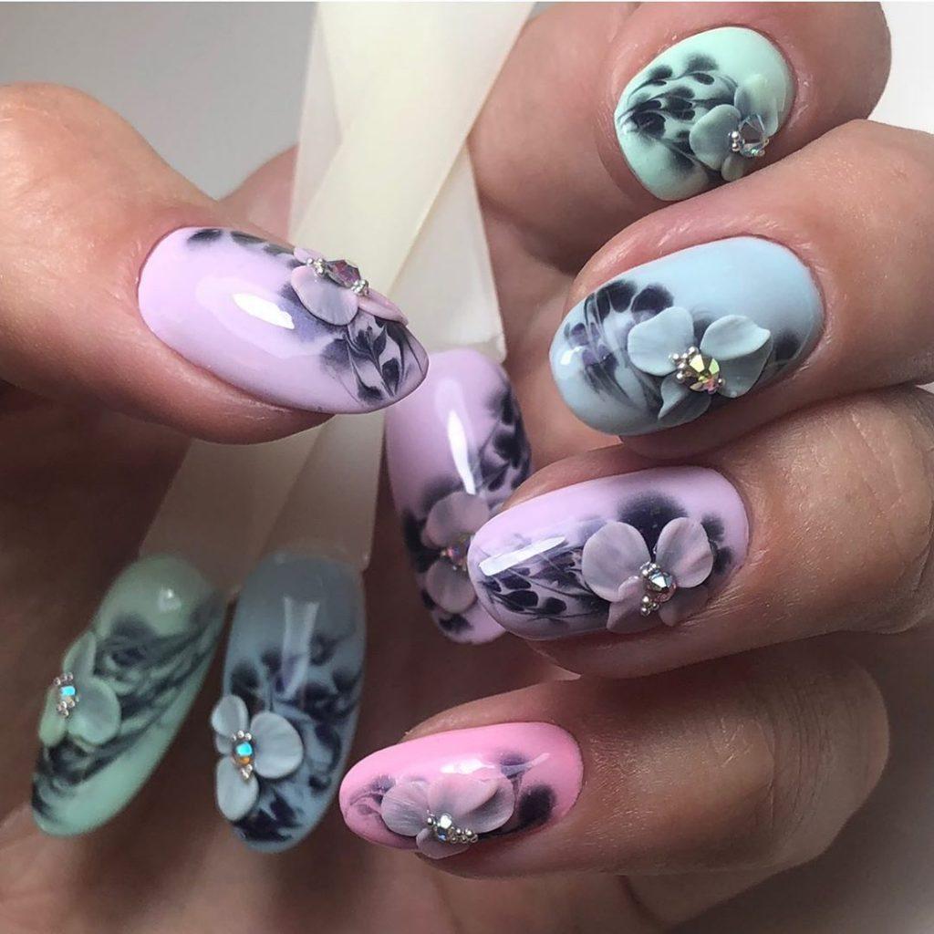 Nail art moderne: tendances et conseils pour le faire par soi-même