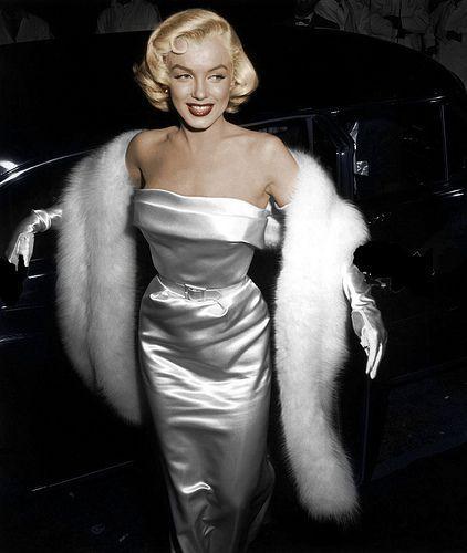 élégante robe de soirée de marilyn monroe argenté fourreau avec l'étole en fourrure blanche