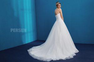 robe de mariée en dentelle bustier coeur de persun 2019