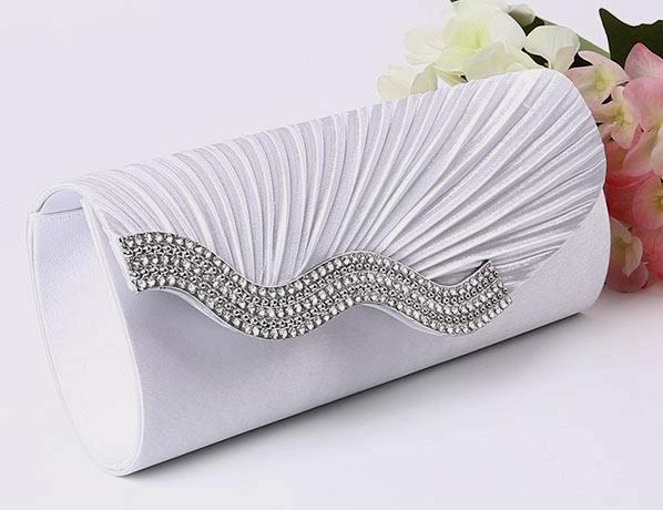sac à main pour mariée blanche plissé embelli de strass