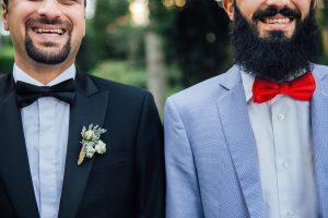 Un costume sur mesure pour un mariage, une conception exactement à votre taille et à votre gout