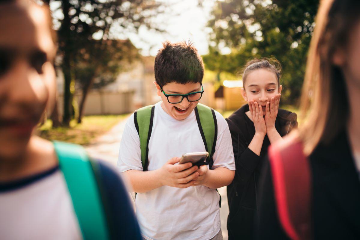 Comment surveiller le comportement numérique des adolescents?