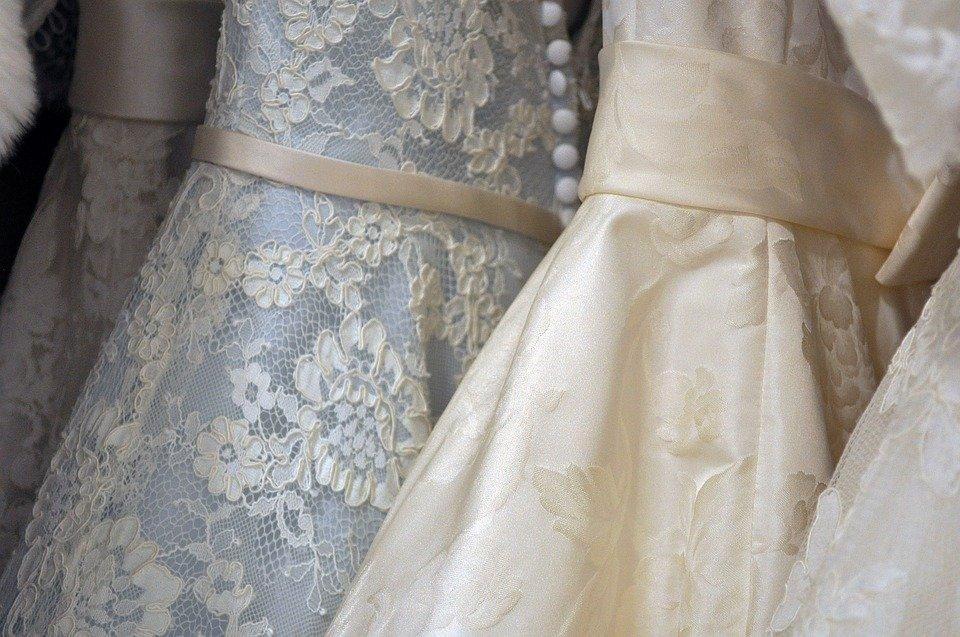Les plus grandes erreurs commises par les mariées lors des achats de robes de mariée