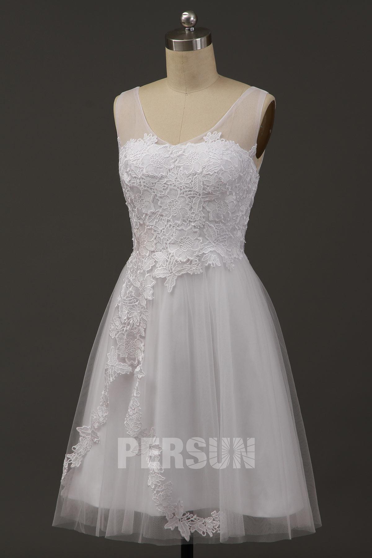 robe de mariée courte en dentelle appliquée
